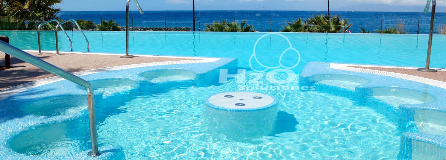 Escaleras y pasamanos para alberca y piscina for Accesorios para piscinas costa rica